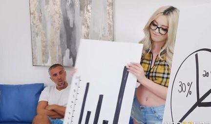 Блондинка отсосала пенис друга и раздвинула ноги для вагинала
